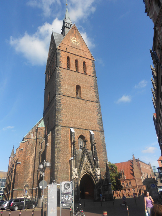 The Market Church | The Red Thread | Hannover, Germany
