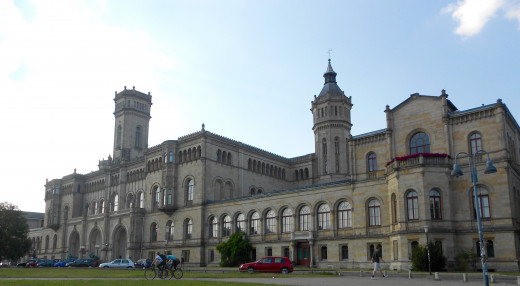 Welfenschloss: the main building of the Gottfried Wilhelm Leibniz Universität Hannover
