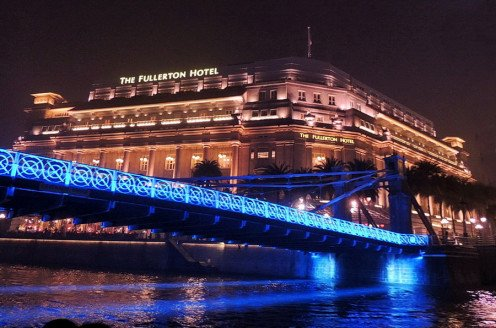 Fullerton hotel, view from our night cruise boat