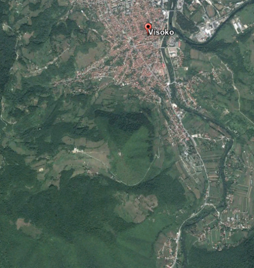 Did you spot the pyramid of Visoko? It's in the middle of the picture. It's perfectly oriented to the current North pole, and therefore younger than 110,000 years.