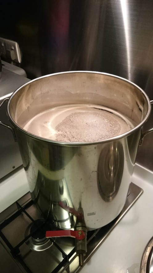 Boiling wort in brew pot