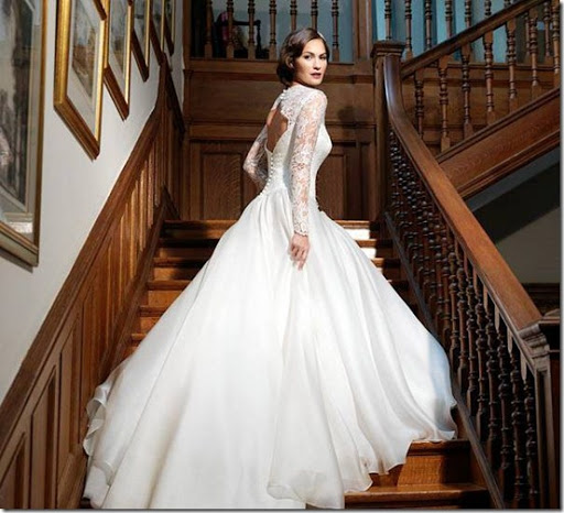 Depending on your wedding's formality, this gown is an example of what you can wear if your wedding formal.