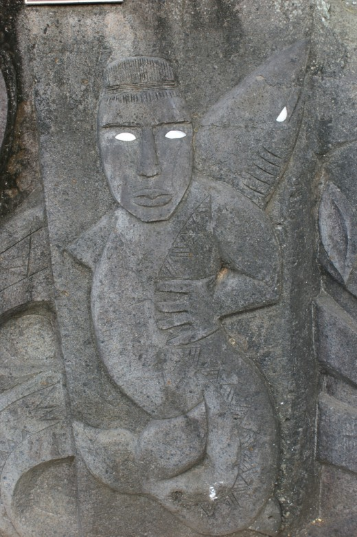 Licensed under CC BY 2.0 via Commons - https://commons.wikimedia.org/wiki/File:Stone_carving_in_Rarotonga,_Cook_Islands.jpg#/media/File:Stone_carving_in_Rarotonga,_Cook_Islands.jpg