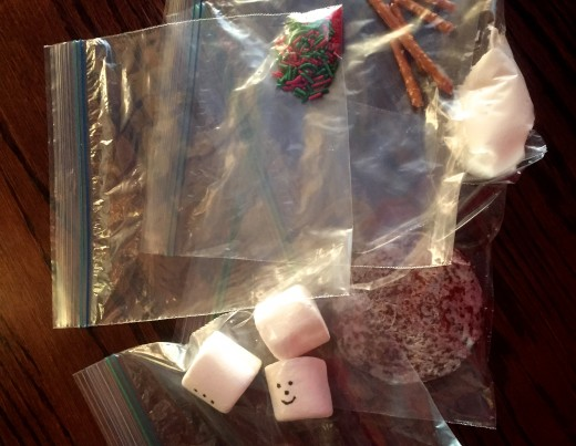 Individual Handstand Snowman Cookie components ready to go in gift bag.