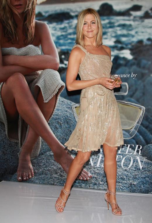 Jennifer Aniston ravishing as usually showing off her world class gams