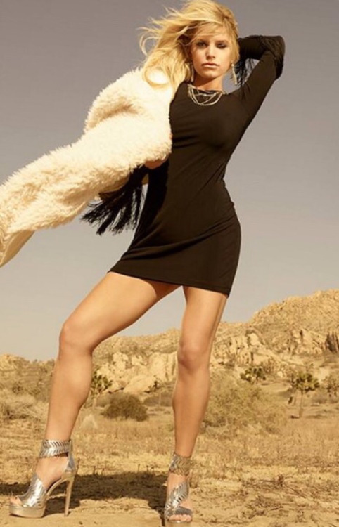 Jessica Simpson posing in an advertisemetn for her shoe line