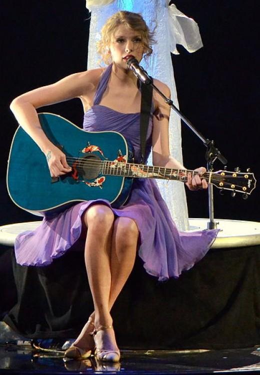 Photo Credit - https://en.wikipedia.org/wiki/Taylor_Swift