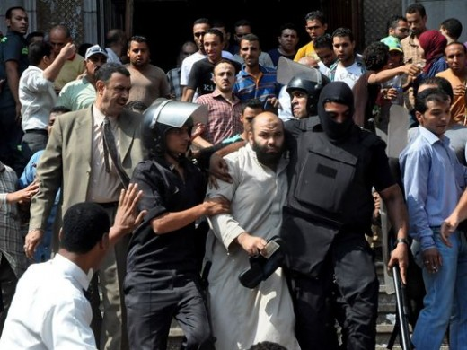 Egyptian's tied to the Muslim Brotherhood being arrested