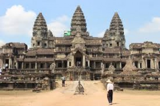 Angkor Wat is oriented within 0.2 degrees to the current North pole.