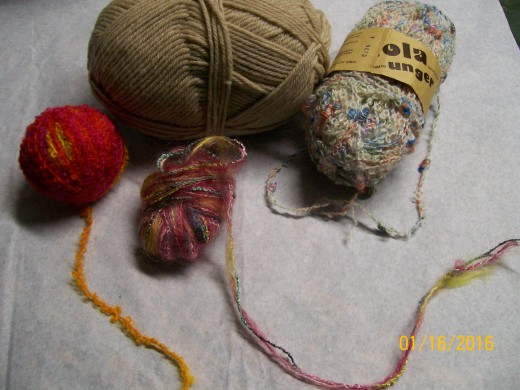 Misc. yarns from the eBay purchase. Small balls are leftovers.