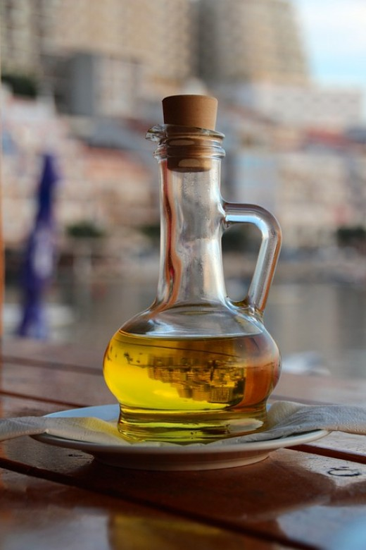 Olive oil and grape seed oil are great sources of antioxidants