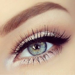 The Look Tutorials on Eye Makeup by Kim Kardashian's makeup artist Mario Dedivanovic.