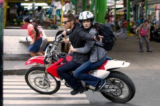 Renner (left) and Weisz (right) evoke fond memories of Matt Damon & Franka Potente...