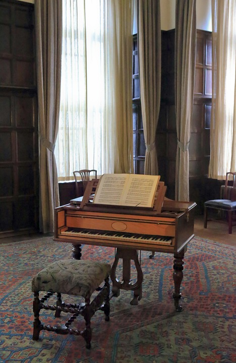 Antique harpsichord.
