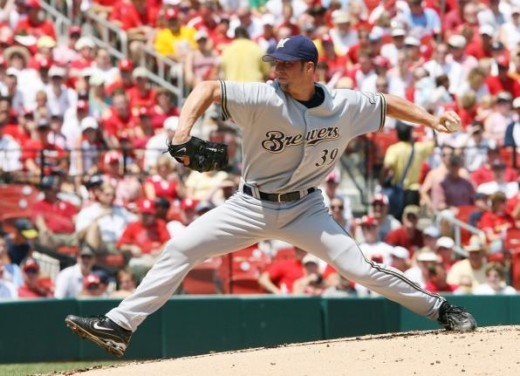 Chris Capuano pitching as a member of the Brewers during his previous stint.
