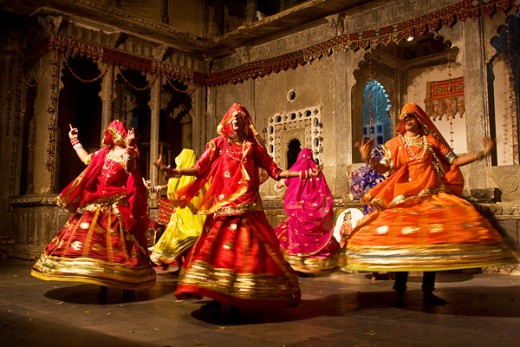 Women performing the traditional ghoomar dance