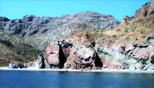 The 'brindled' cliffs of Bahia Berrendo