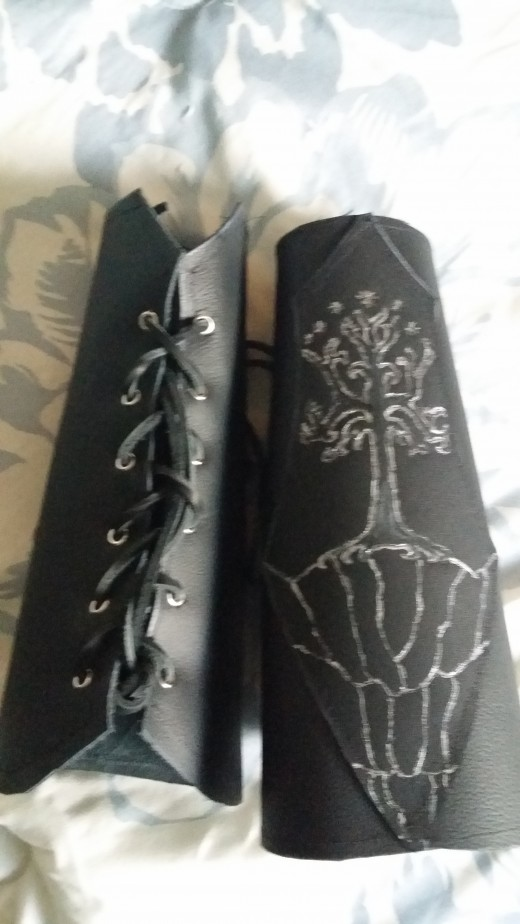 The completed arm guards!