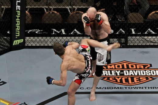 Stephen Thompson (bottom). Photo: Sherdog.com