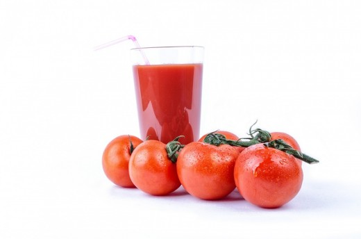 Tomato juice and pulp are good for your skin