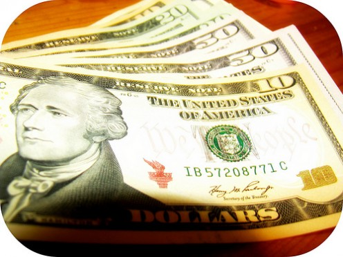 Earn money while blogging online