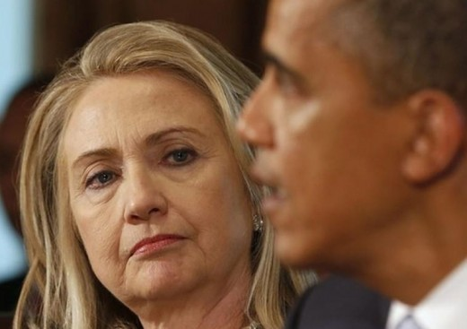 Hillary Clinton giving President Obama the death stare
