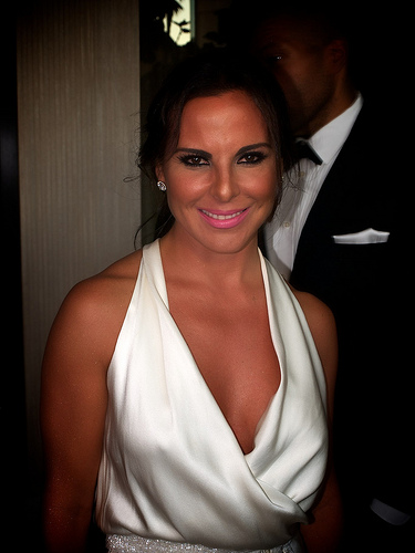 "Kate del Castillo, the telemundo  Teresa is alleged to have helped Sean Penn get the interview with  "" El Chapo"" , a real life drug kingpin."