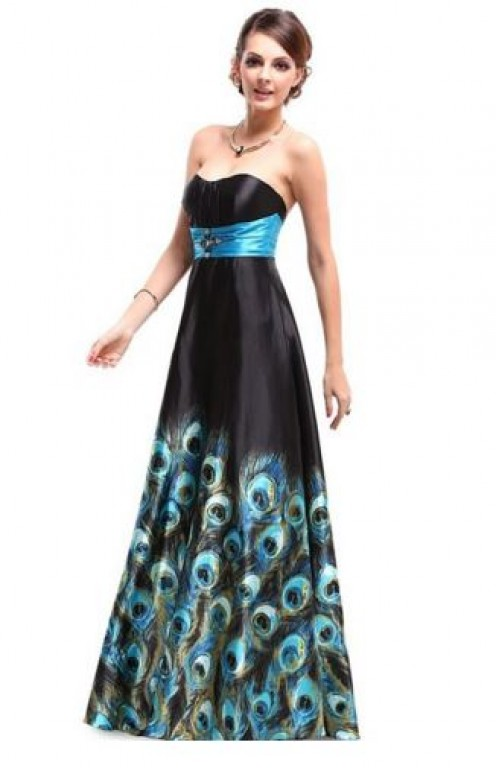 Chic Fashionable Attire For A Formal Evening Dinner or Dance