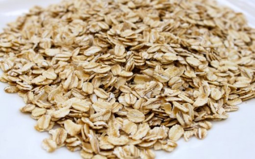 Soothinh oatmeal makes a great anti-inflammatory rosacea treatment.
