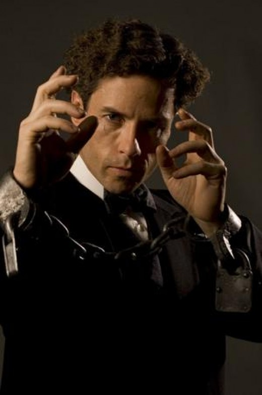 Guy Pierce as Houdini