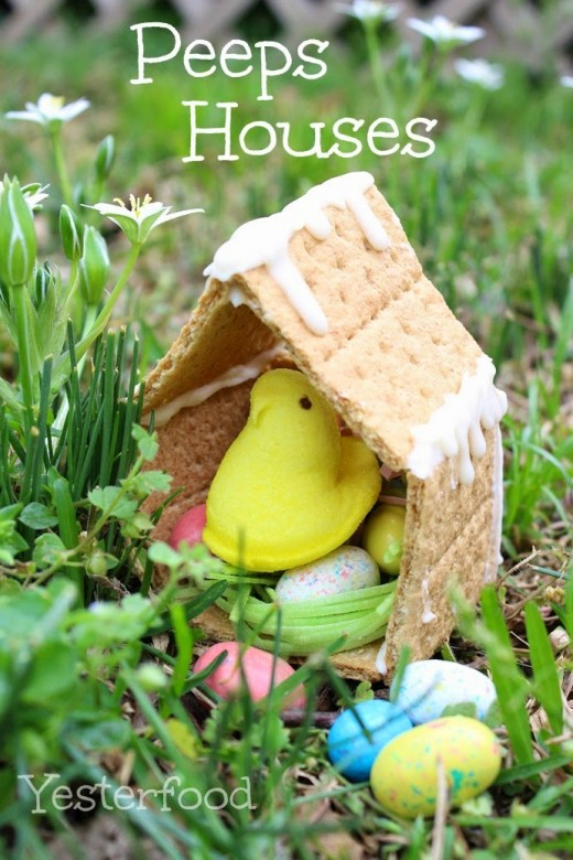 Make a fun and edible Easter Peeps house with your kids - it's so easy to assemble and the ingredients you need are inexpensive. Look how cute these Peeps chick houses are! Source: http://yesterfood.blogspot.com/