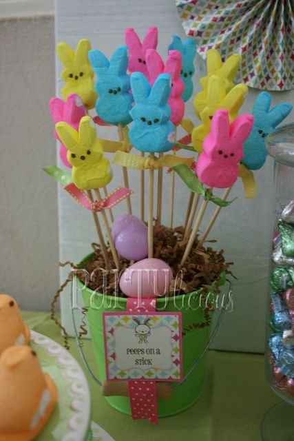 I found this Peeps Candy Easter Bunny pop recipe on Pinterest.  The original idea came from Catch My Party.  It's another edible and easy Easter craft project you can make with (or for) your kids.