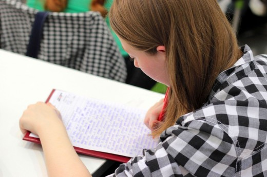 Taking class notes ensures that students are paying attention to their studies.