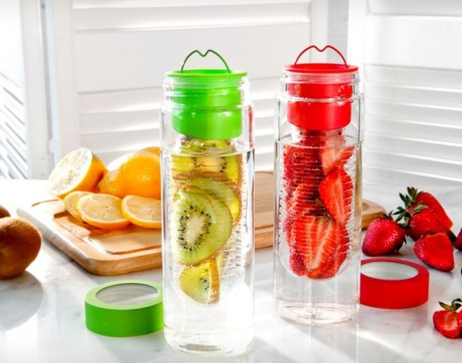 A water bottle with a flavor infuser makes a perfect unisex gift for health-conscious people.