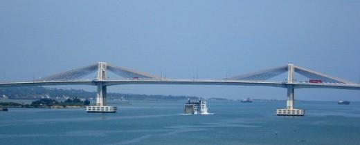 Mactan Cebu Bridge by Flickr's elaine ross baylon