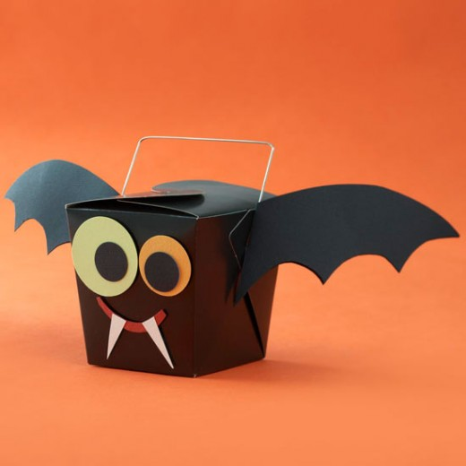 This is an easy treat box to make for Halloween and it looks like that iconic Halloween symbol, the bat
