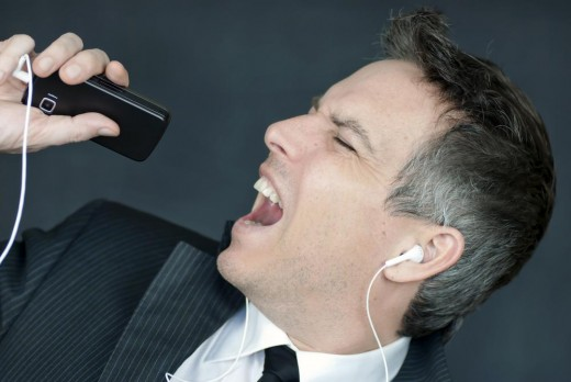 Sing into Your Smartphone and Upload Online!