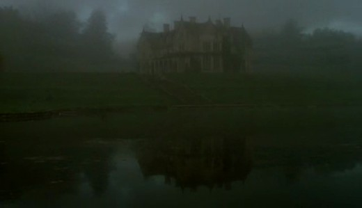 Surrounded by thick fog, the setting of Grace's mansion creates a chilling feeling of isolation.