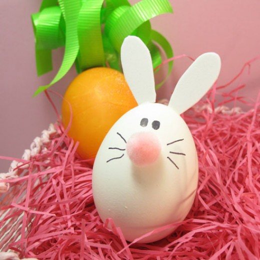 This unique Easter Bunny Egg is super simple to make but it will certainly will be a big hit when your kids and company see it.  Isn't it cute?  Hippity Hoppity Easter's On It's Way