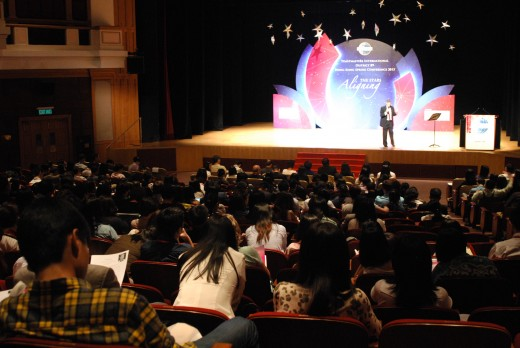 I'm invited to deliver a workshop on Storytelling at the Hong Kong, Macau, Southern China, Toastmasters District Convention in May 2015.  This photo show part of my audience.