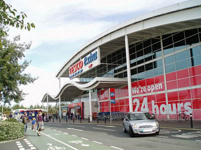 """Tesco:  Its mantra is """"Every little helps"""", however, in their reductions this is not always born out. Tesco charges £4.00 to shoppers on line if their shopping does come to £40.00."""