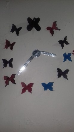 How to make a butterfly clock from paper