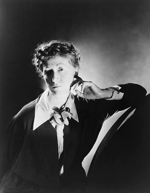 marianne moore essay The use of animals in marianne moore's poetry - jana brueske - seminar paper - english - literature, works - publish your bachelor's or master's thesis, dissertation.
