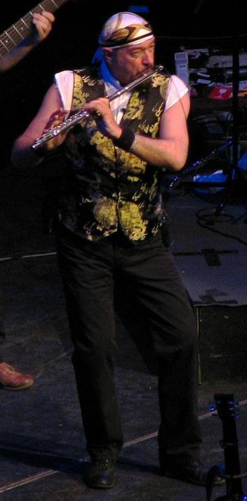 Ian Anderson in concert, 2007 (Photo by Leonardo Stabile)