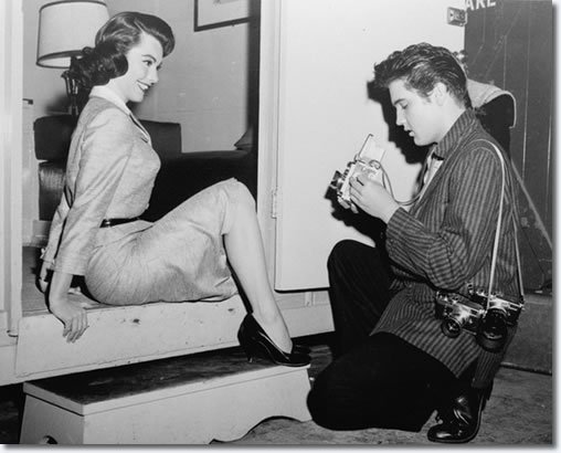 Judy Tyler (left) and Elvis (right) backstage. Tyler would sadly pass away before the film's premier.