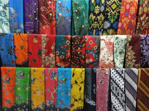 If you have kain batik like this at home, you can try to wear it like the video below...
