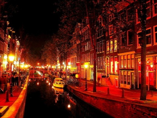 De Wallen is a network of alleys, the series featured about 300 small door frames with the prostitutes wear on the lingerie, called tiny.