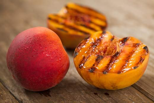 Grilled Fruit When the passing weekend, be interested to use the grill instead of the iron moulds. Half baked peaches or pineapple mix fudge covered above with Greek yogurt, cream of coconut, crushed nuts or cinnamon powder.