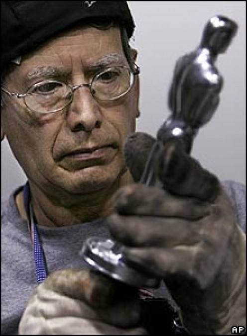 A Chicago factory is manufacturing the statuettes that will be handed out at next month's Academy Awards. Anacledo Medina has cast every Oscar made in the past 24 years.