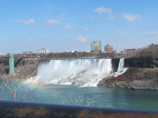 A photo of the American side of the Falls on the Canadian side.